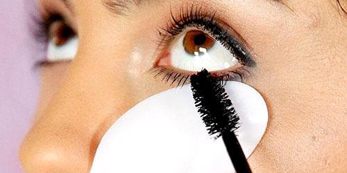 tips de maquillaje para no manchar tus parpados de rimmel