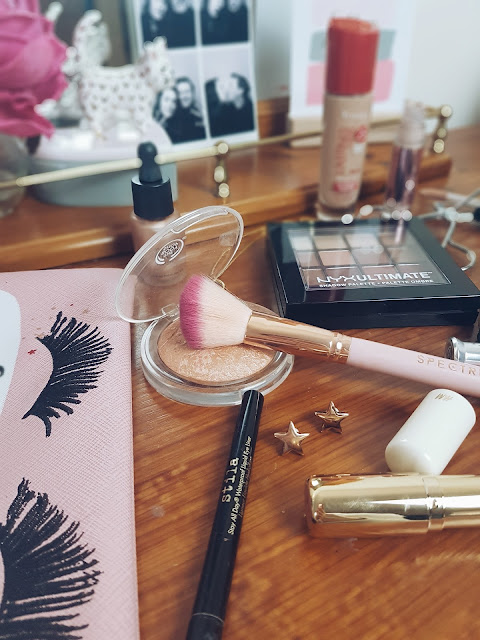 Make Up Flatlay, Beauty flatlay, cosmetics flatlay
