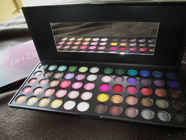 BH Cosmetics Day&Night eyeshadow palette review & giveaway!