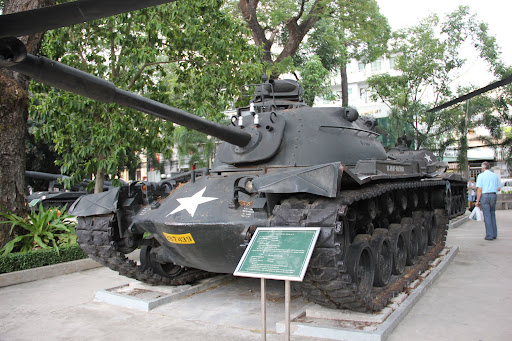 Tank front Cañon American M.41