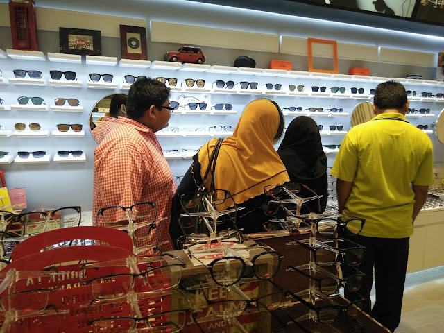 Pilihan Cermin Mata Mampu Milik di A-Look Alamanda Putrajaya, A-LOOK EYEWEAR ALAMANDA PUTRAJAYA, PROMOSI PEMBUKAAN CAWANGAN BARU A-LOOK EYEWEAR ALAMANDA PUTRAJAYA, Promosi cermin mata murah di A-Look Alamanda Putrajaya