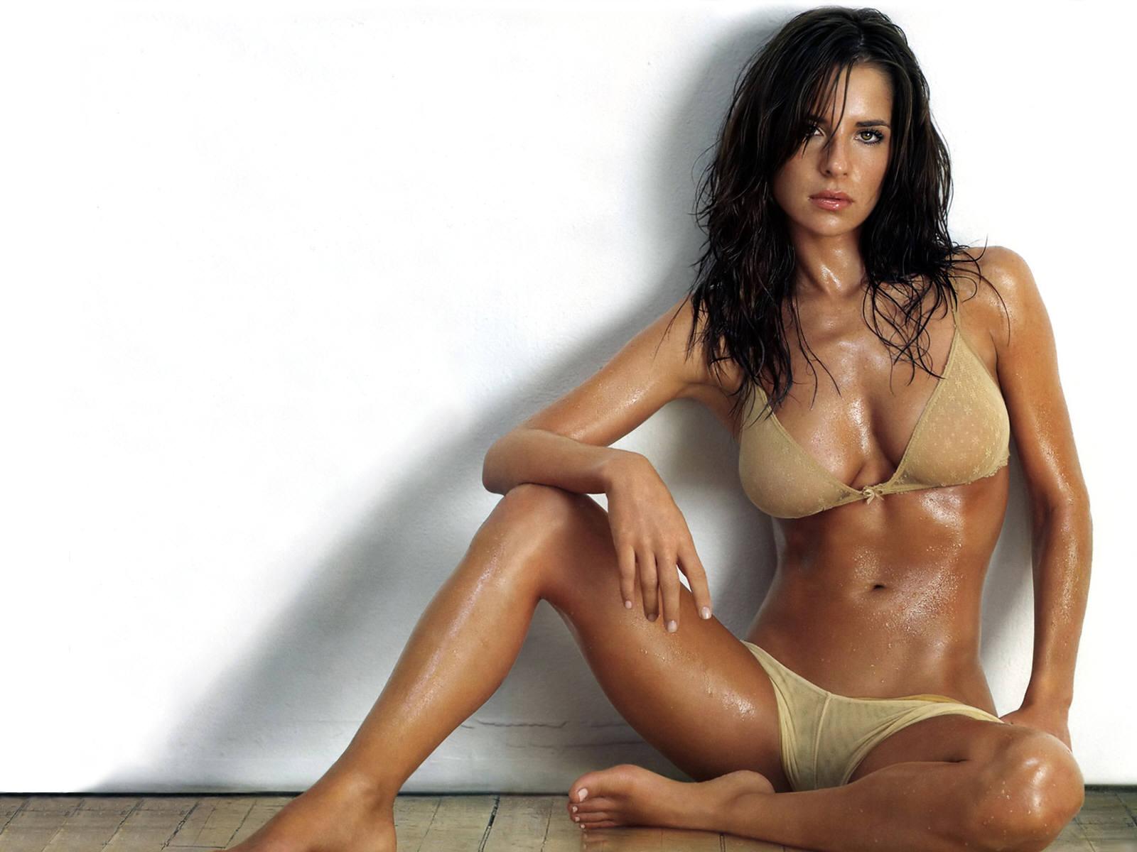 mild blogs: girls hot babes wallpapers