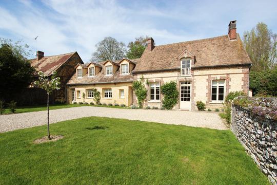 Una casa di campagna in francia for Immagini interni case di campagna