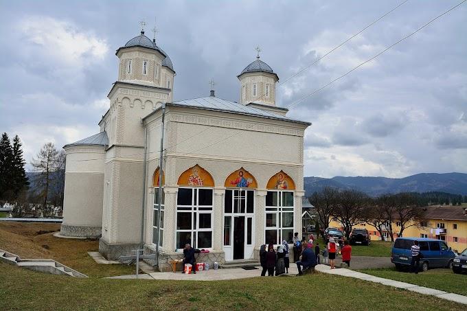 Sf. Maslu la Parohia Neagra Șarului în duminica a patra din post, a Sf. Ioan Scăraru