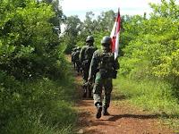 Pastikan Batas Negara Kokoh, Satgas Yonif Para Raider 503 Kostrad Gelar Patroli Patok