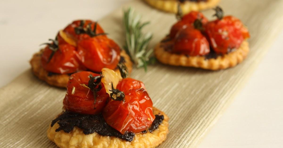 tartes tomates cerises et ail confites gourmande ils disent. Black Bedroom Furniture Sets. Home Design Ideas
