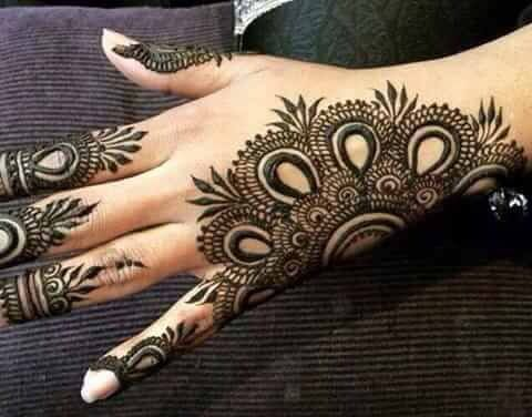 Mehndi Flower Designs For Hands : Top 18 gujarati mehendi designs for the perfect day weetnow