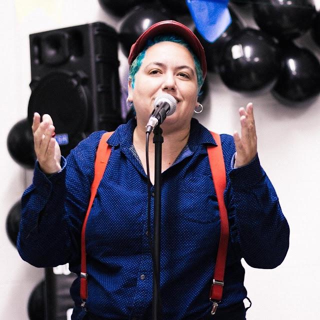Poesia falada é tema de oficina feita por Letícia Brito na Bienal do RJ