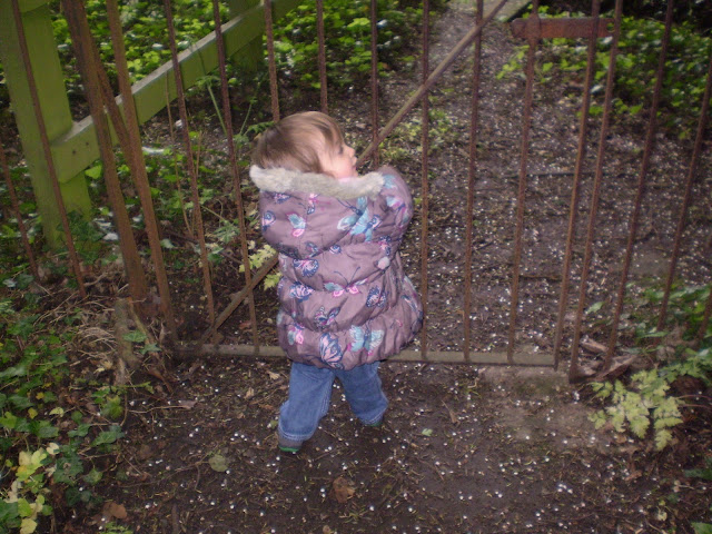 Eldest at a gate
