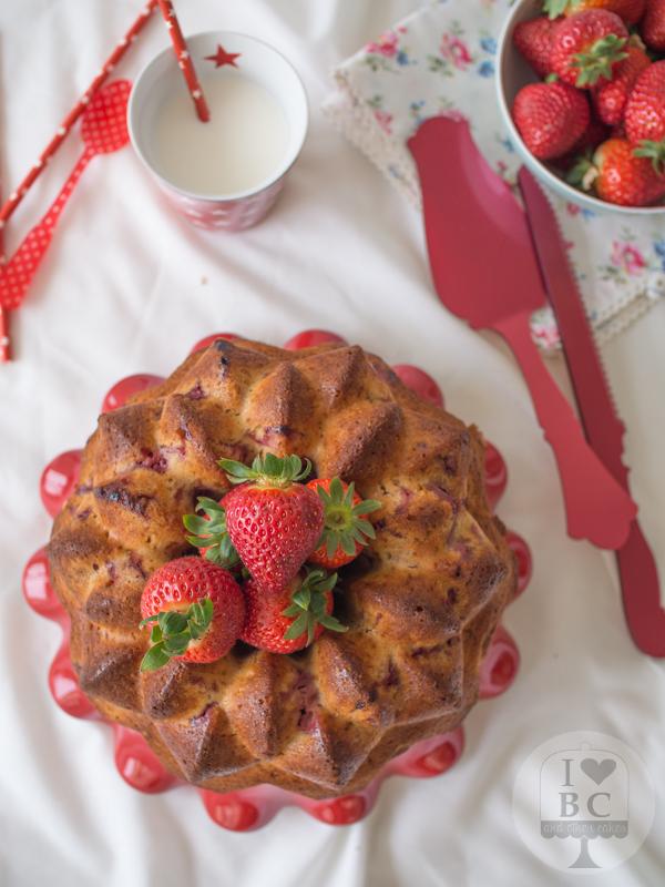 Cake de fresas y nata  536373f6306