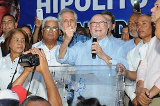 Hipolito Mejía encabeza acto con dirigentes comunitarios y resalta rol de las organizaciones