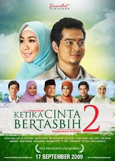 Azzam kembali ke kampung halamannya di Solo Download Film Ketika Cinta Bertasbih 2 (2009) DVDRip