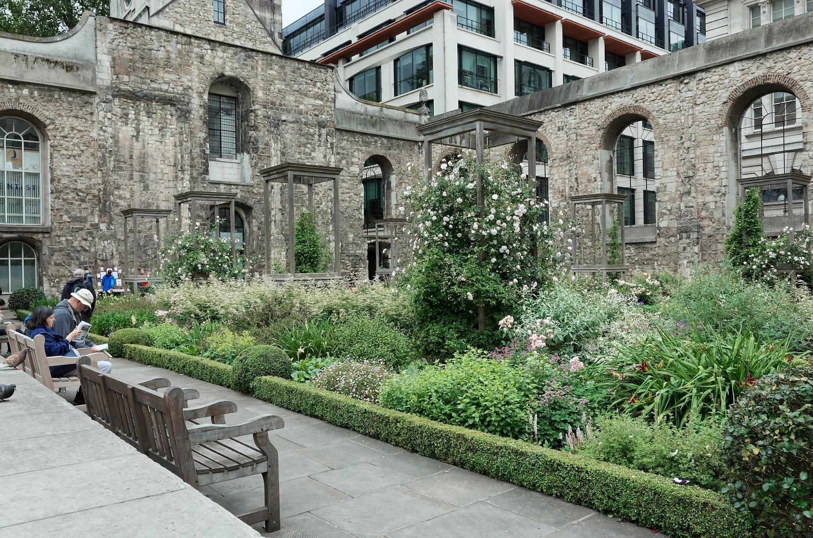 Open Garden Squares London - Christchurch Greyfriars garden