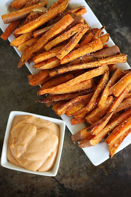 Oven Baked Sweet Potato Fries with Fry Sauce by Creme de la Crumb