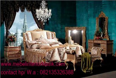 mebel interior klasik jual tempat tidur jati model klasik cat duco putih ukiran jepara desain italy french style dengan lukisan warna emas silver di jual mebel jepara klasik jati ukir duco putih