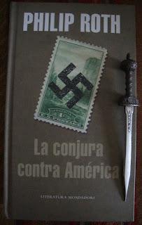 Portada del libro La conjura contra América, de Philip Roth