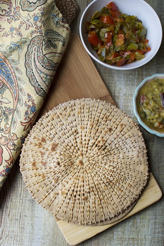 Rajasthani Moti Roti