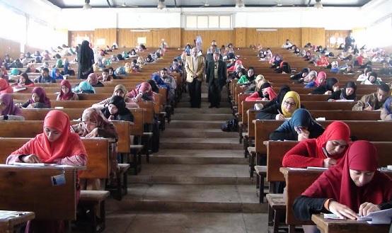 تطبيق نظام المراقبة بالكاميرات داخل لجان الجامعات المصرية لمحاربه الغش بالإمتحانات