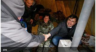 Саакашвили провел новогоднюю ночь в палатке