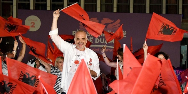 Κομμουνιστής Έντι Ράμα τύπου Μακρόν: «Σημαντικό για τα Βαλκάνια μια ευημερούσα «Μακεδονία» – Περιουσιακά δικαιώματα για τους Τσάμηδες στην Ελλάδα»