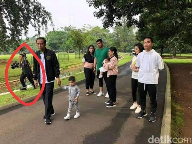Netizen Ungkap Pencitraan di Balik Foto Keluarga Harmonis Jokowi