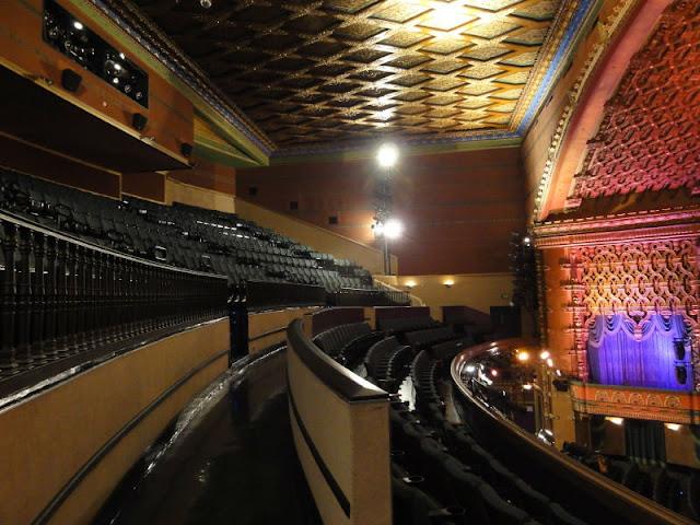 Los angeles theatres el capitan theatre the auditorium