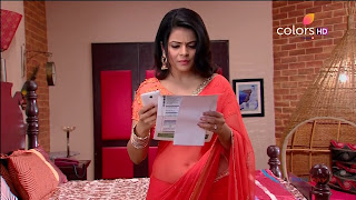 Jigyasa Singh from Thapki Pyaar Ki in Orange Transparent Saree (13).jpg
