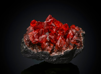 Rodocrosita cristalizada de calidad gema. sudafrica