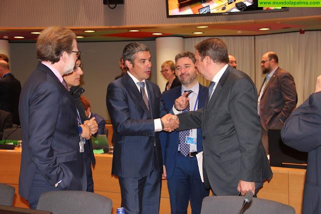 Canarias reitera la demanda en Bruselas un programa de ayudas para la pesca específico para las RUP