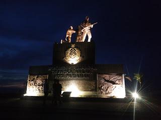 Patung Tentara Angkatan Laut di Pantai Gandoriah