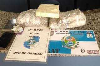 http://vnoticia.com.br/noticia/1782-pm-apreende-maconha-e-pasta-base-de-cocaina-em-casa-abandonada-em-gargau