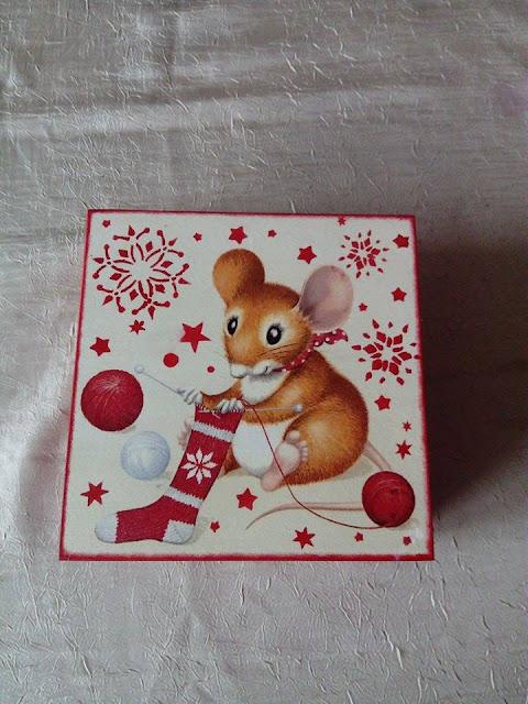 Inspiracje ze świata przyrody – świąteczne pudełka z myszami w dwóch wersjach :)