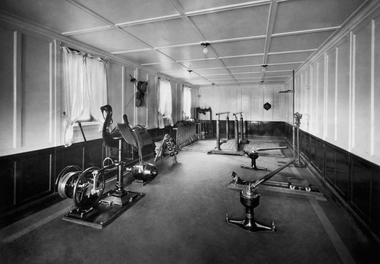 Gym of the Neptunia Transatlantic Liner. 1930.