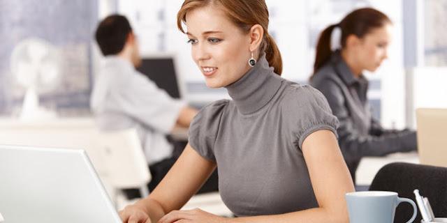 Tidak Tampil Ceria di Kantor? Kamu Harus Menerapkan 5 Rahasia Jitu Ini Untuk Tampil Ceria di Kantor