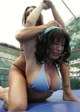Womens Naked Wrestling