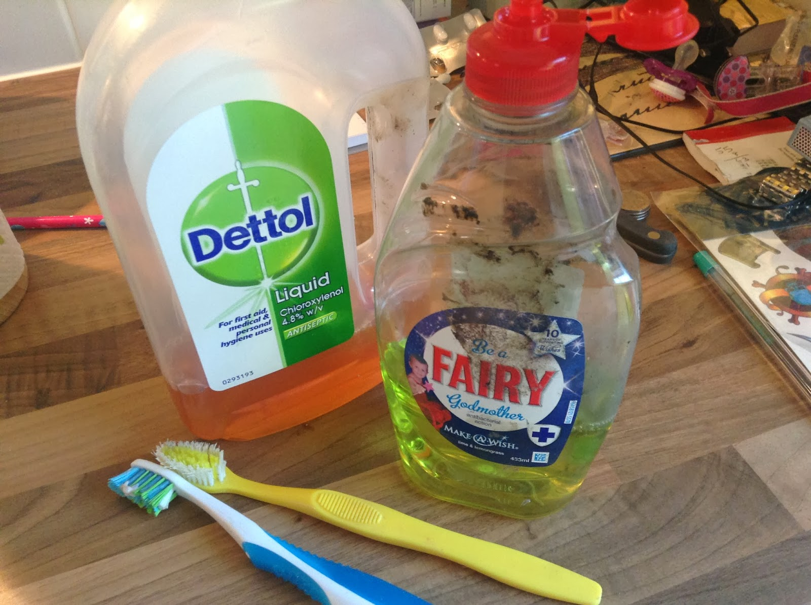 Realm of Chaos 80s: How to use Dettol to best clean up painted