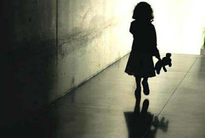 Resultado de imagem para Pai flagra pintor acariciando criança de seis anos e suspeito é espancado; veja o vídeo