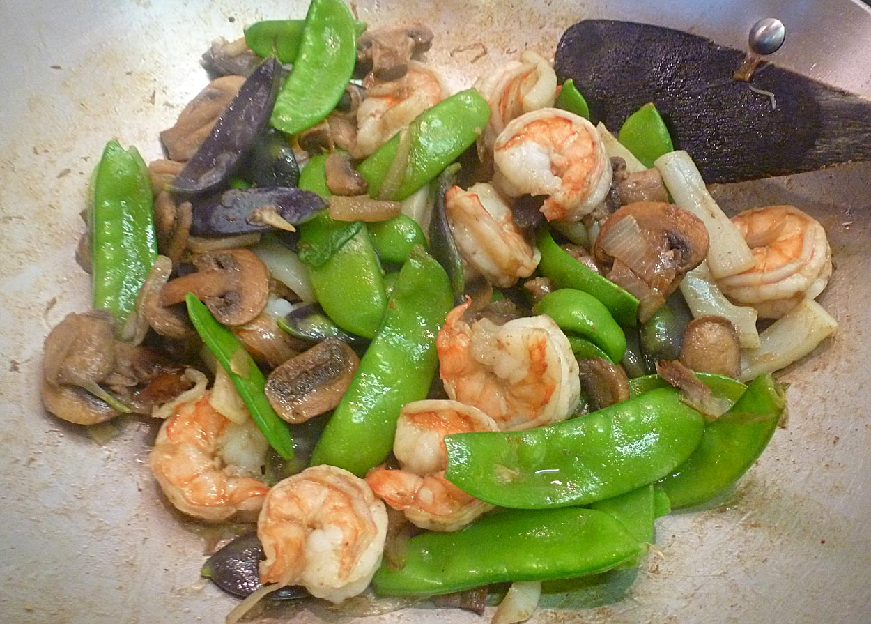 Living the life in saint aignan: snow peas and shrimp in a stir fry