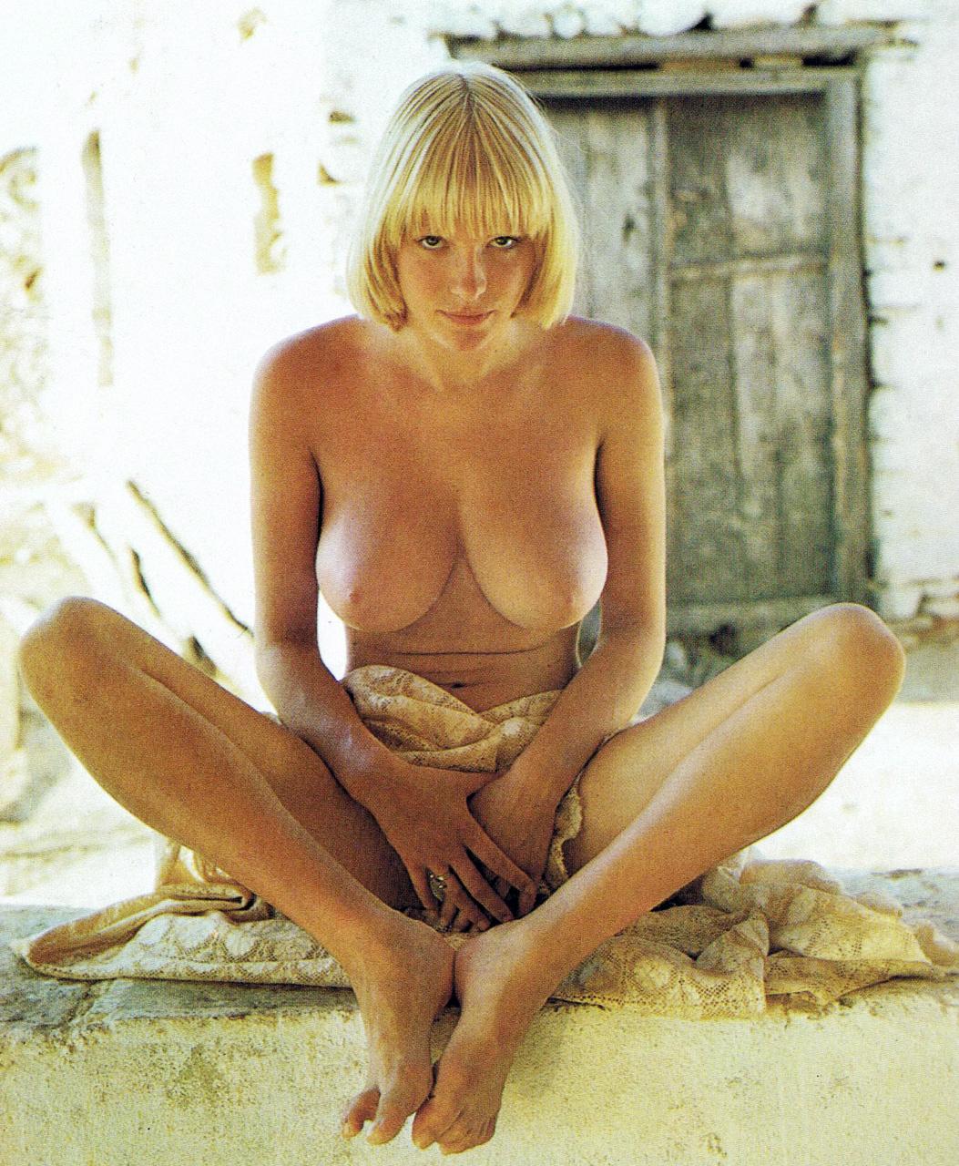 Netherland Woman Sexy Naked Image 7