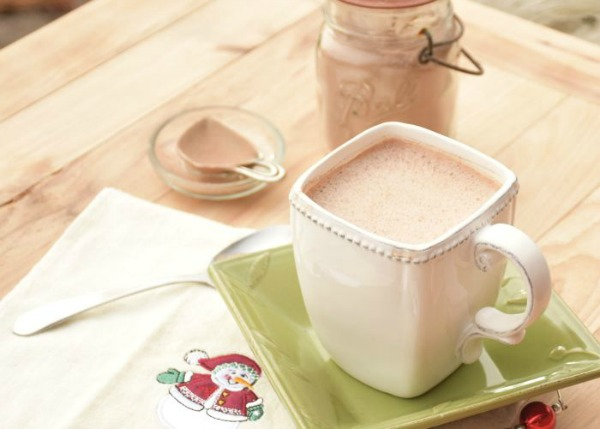 Peppermint Hot Chocolate Recipe from A Proverbs 31 Wife