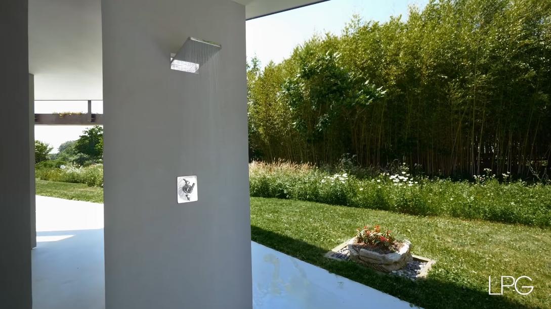 38 Interior Design Photos vs. 40 Sayres Path, Wainscott, NY Luxury Mansion Tour