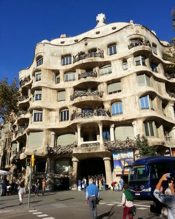 Barcelona Apartment Building: Ken Munsie: 64. Gaudi's Footprint