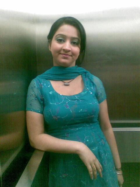 Lahore Punjab College Girl Wallpaper Bollwood Hungama Desi Hot Girl India Images