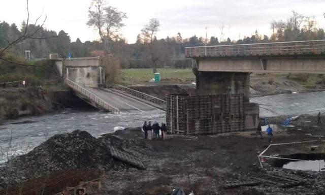 Diputado Hernández solicita información respecto a puentes Cancura y Quilacahuín