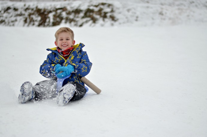 snowbizz, family ski specialists, sledging with a three year old