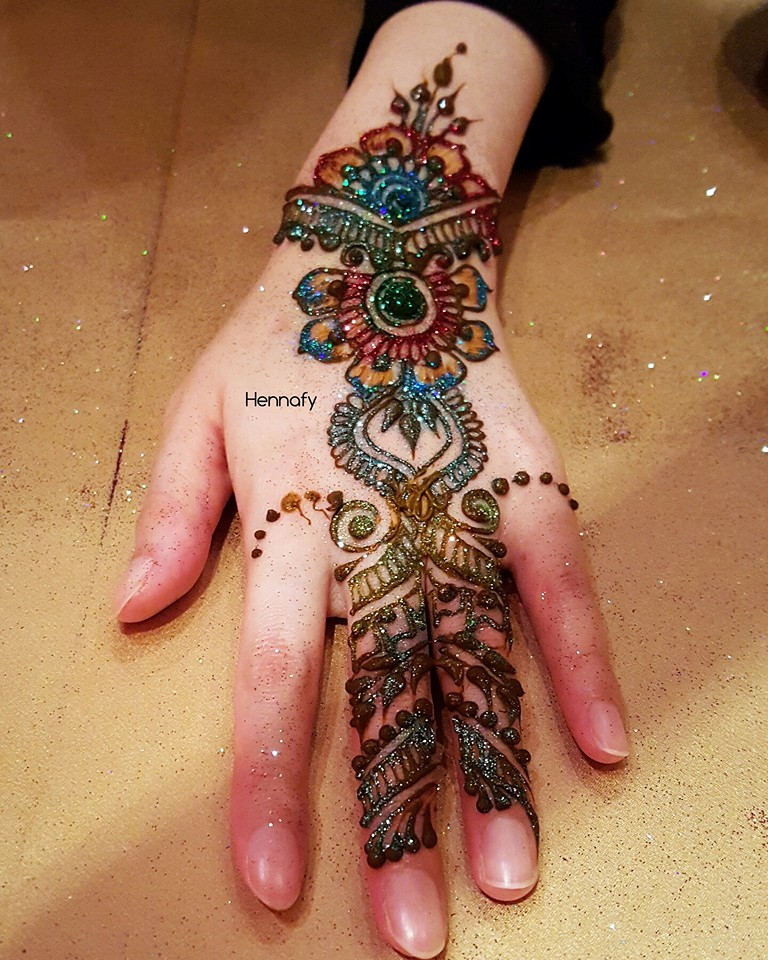 Henna Mehndi Tattoo Designs Idea For Wrist: Colored Henna Tattoo Designs