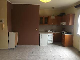 Ενοικιάζεται διαμέρισμα 65 τ.μ. μερικώς επιπλωμένο στο Συνοικισμό. Τιμή 320€
