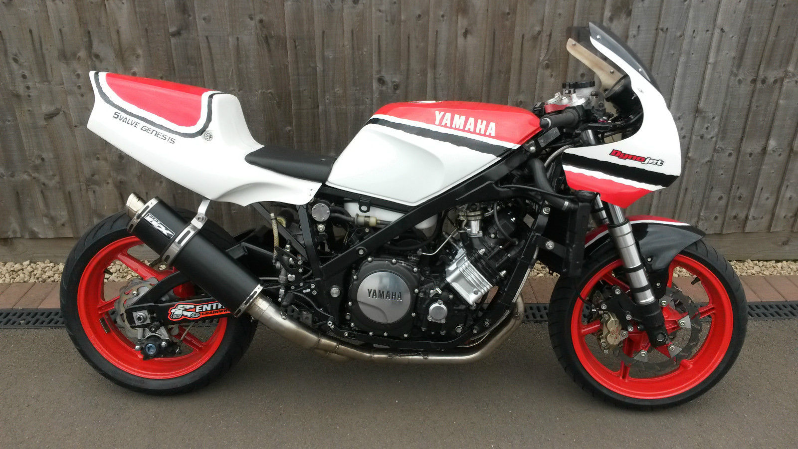 YAMAHA FZ 750 2MG FZR 1000 Road And Track Bike Classic
