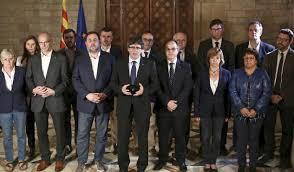"""El Govern se reúne de urgencia con la mirada en la independencia como """"única salida"""""""
