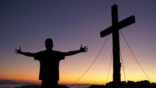 Homem e a cruz